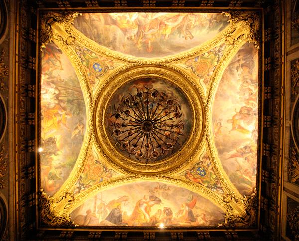 chandeliers4.jpg