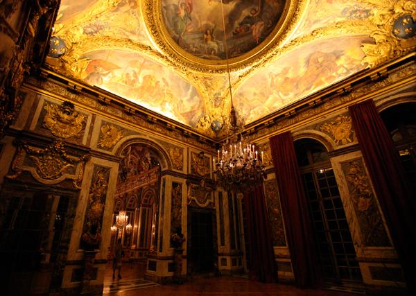 chandeliers9.jpg