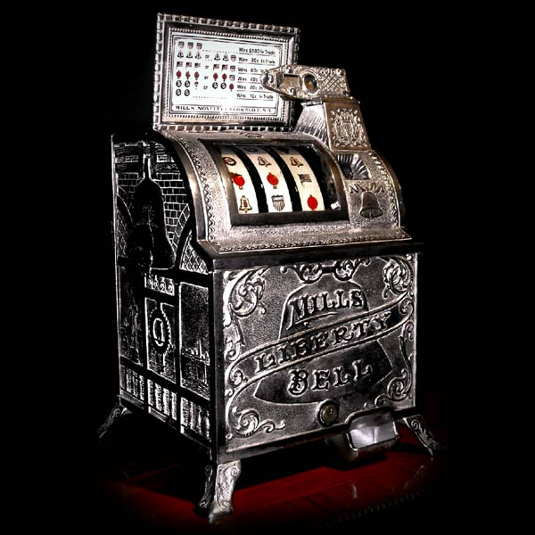 the slot machine was invented in what year