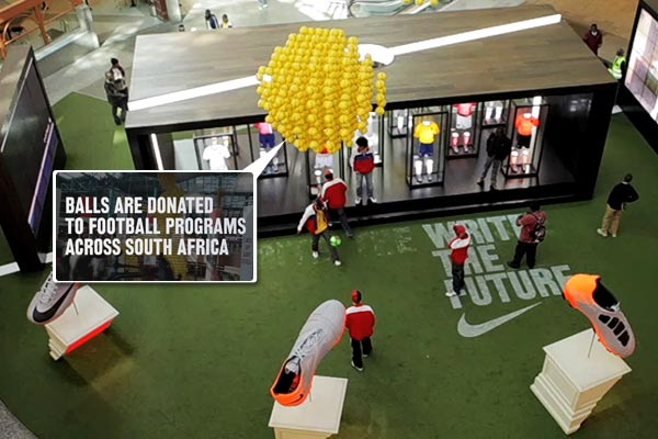 nike_ball-man-SA-shppingmallsetting.jpg