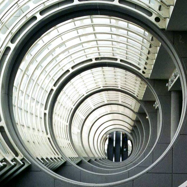 Genista_escalator-at-the-end-of-a-tunnel.jpg