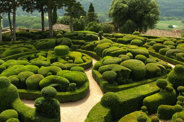 labyrinth-Gardens-Chateau-de-Marqueyssac.jpg