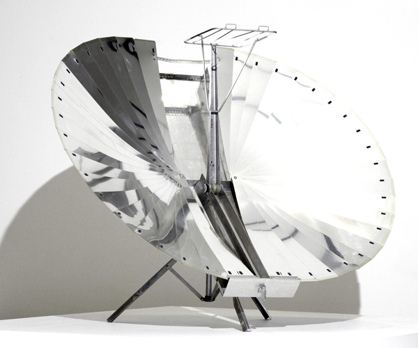 20-Adnan-Tarcici_Solnar-Tarcici-Collapsible-Solar-Cooker.jpg