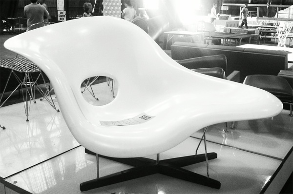 This monday morning iu0027m obsessed with a design icon. Found myself scouring the net for pics of the classic Eames La Chaise ~ u201cCharles and Ray Eames designed ... : eames la chaise - Sectionals, Sofas & Couches