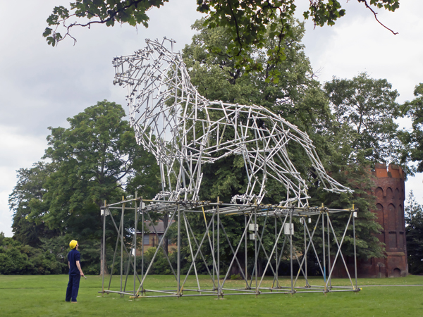 Ben_Long_Lion_Scaffolding_Sculpture_image2.jpg