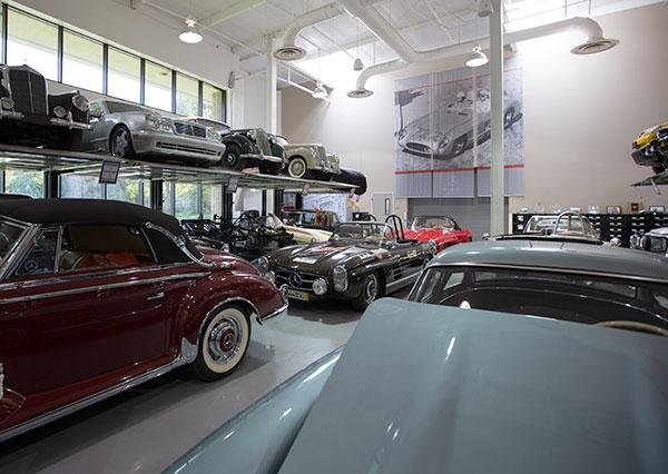 Mercedes benz classic center workshop notcot for Mercedes benz classic center california