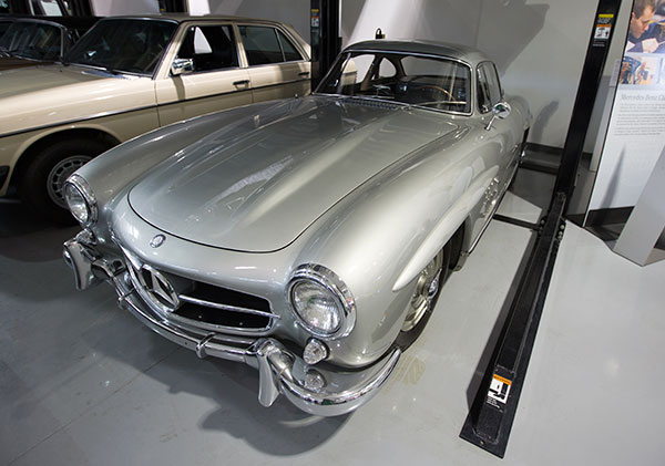 Maison mercedes paris amazing sclass with maison mercedes for Garage mercedes benz versailles